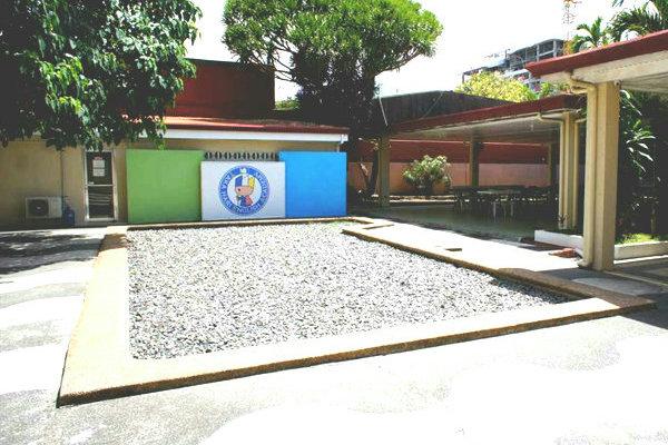 TAKA HARIの中庭