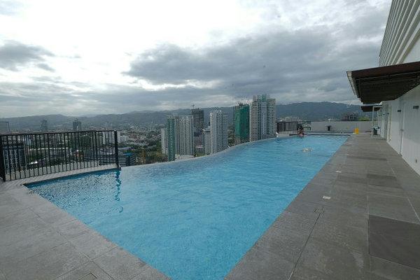 提携ソレニア(Solinea Resort Condominium)のプール
